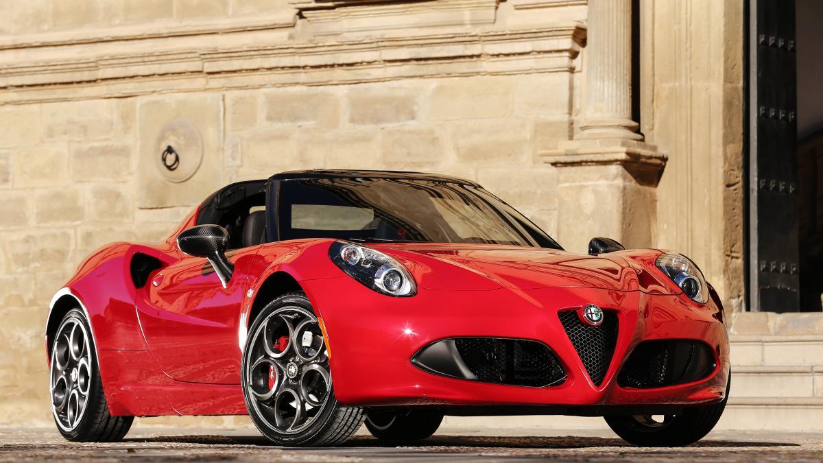 Обзор автомобиля Alfa Romeo 4C